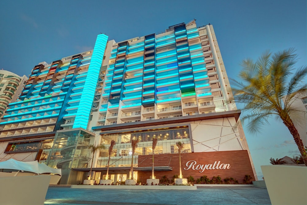 Royalton CHIC Suites Cancun Resort & Spa Adults Only - All Inclusive, Featured Image