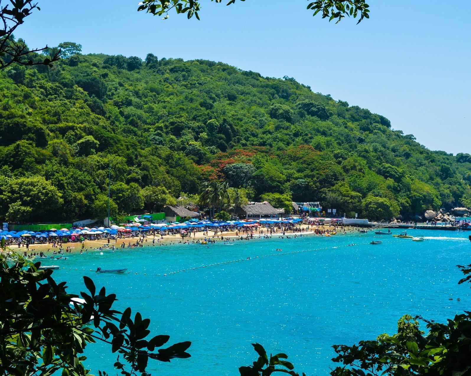 Vuela a Acapulco y disfruta del Pacífico